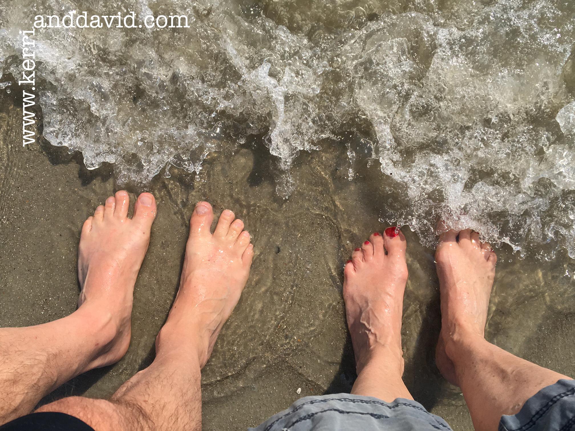 HH waves feet website box