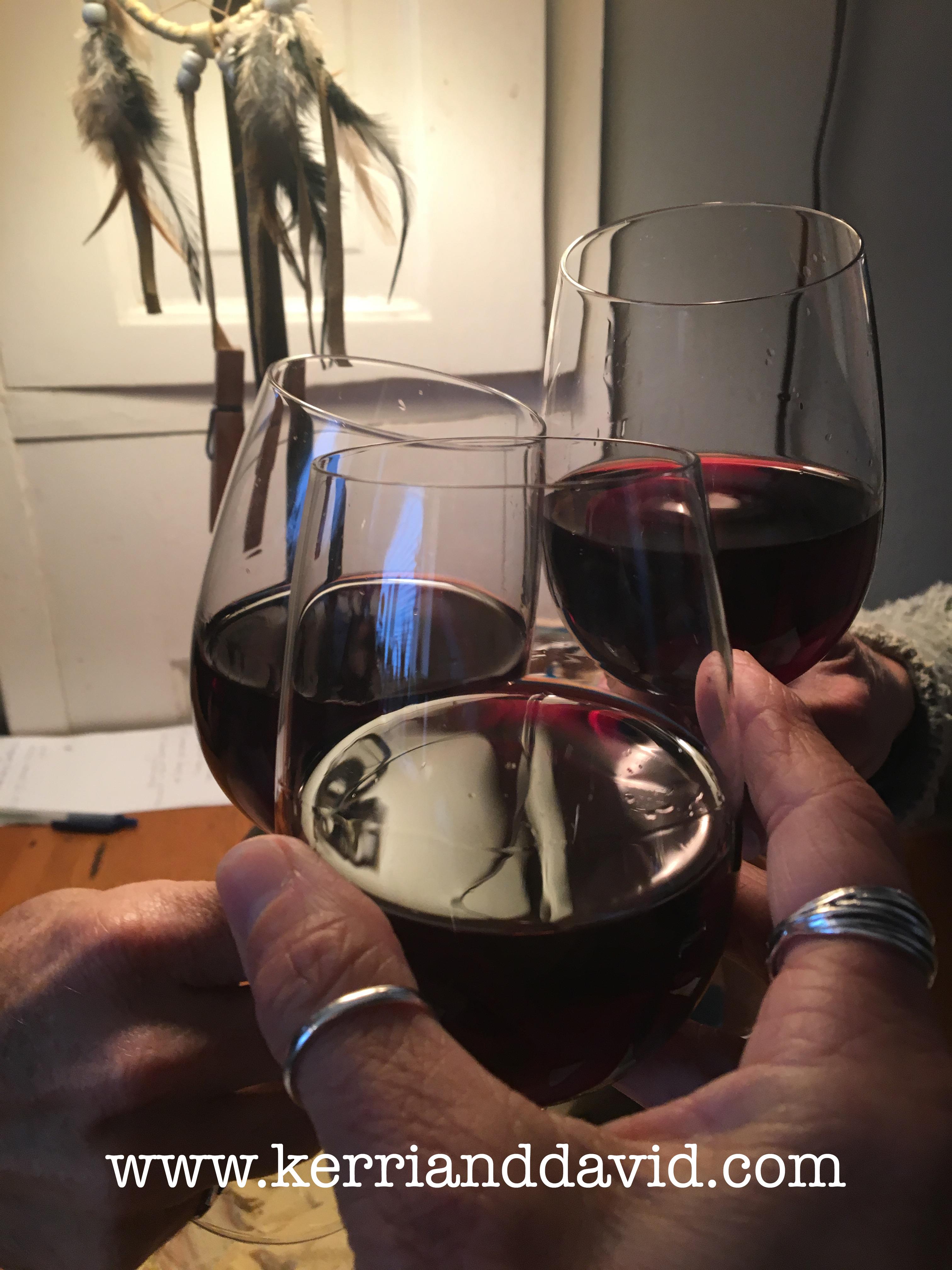 wineglassesthreehands61 website box