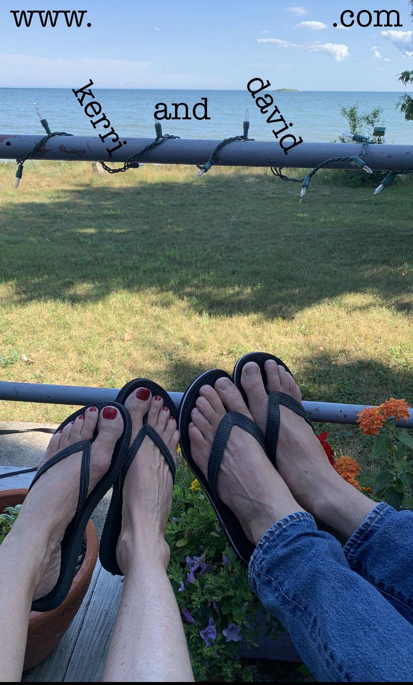 feet on deck WI website box