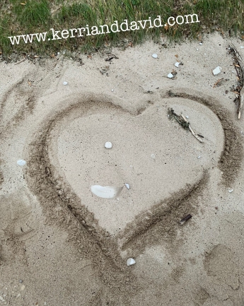 heart in island sand website box