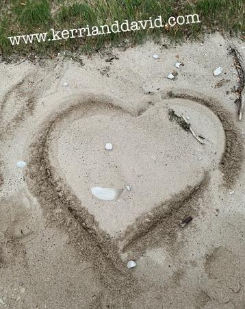 heart in island sand website box